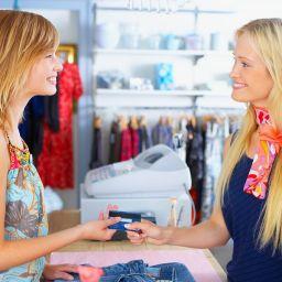 Как найти персонал в магазин брендовой одежды