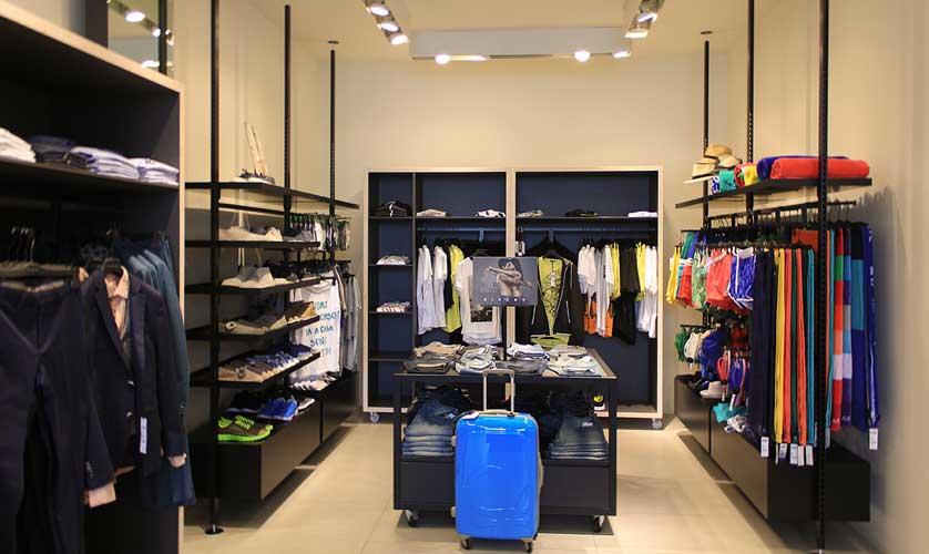 b90e2c781355 Стоковая одежда оптом – где лучше купить оптом - одежда оптом - сток ...